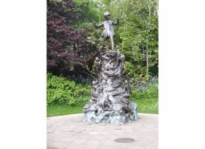 Peter Pan statue at Hyde Park